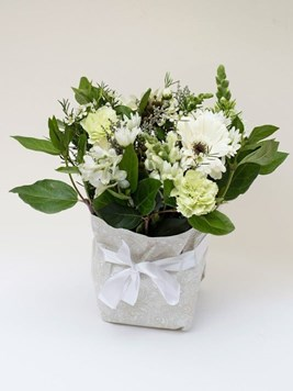 Funeral : Sympathy Posy Option 3 - AV