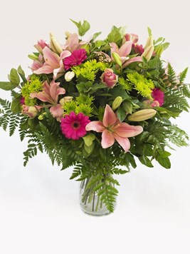 Arrangements: Heavenly Pink Vase Arrangement